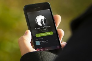 spotify-iphone-artist-outdoor-2014-billboard-650